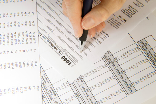 Does a Tax Preparer Need to Be an Accountant