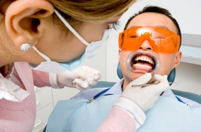 How Does Laser Whitening Work?