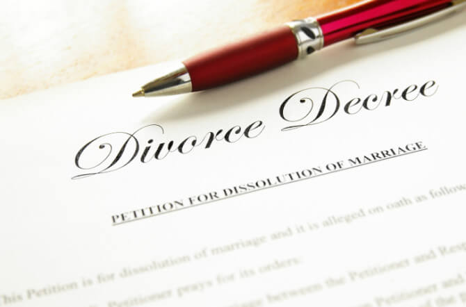 Top 10 things to do before contacting a divorce lawyer enlighten me top 10 reasons not to choose a doityourself divorce solutioingenieria Images