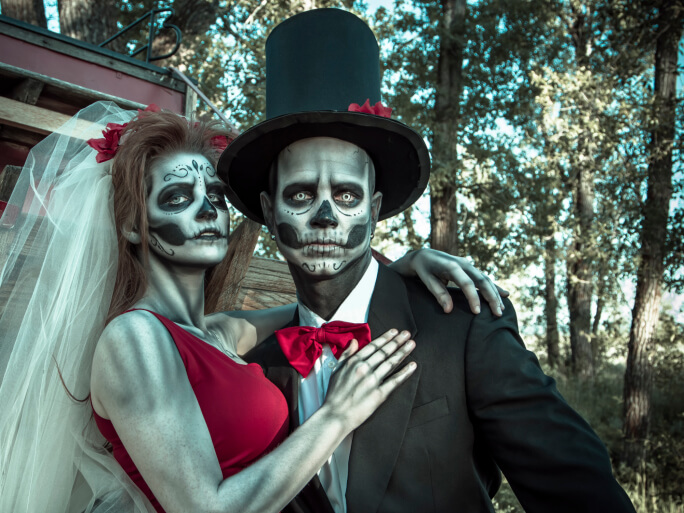 Bride And Groom Halloween Costume.Where To Find The Best Halloween Costumes Superpages