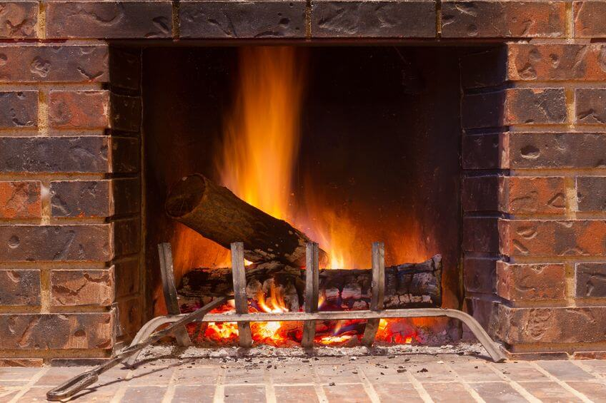 Tips for cleaning a brick fireplace enlighten me for Stone fireplace hearth cleaning