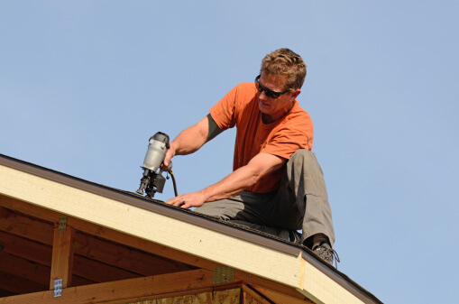 Top 10 Things To Look For When Hiring A Roofing Contractor | Enlighten Me