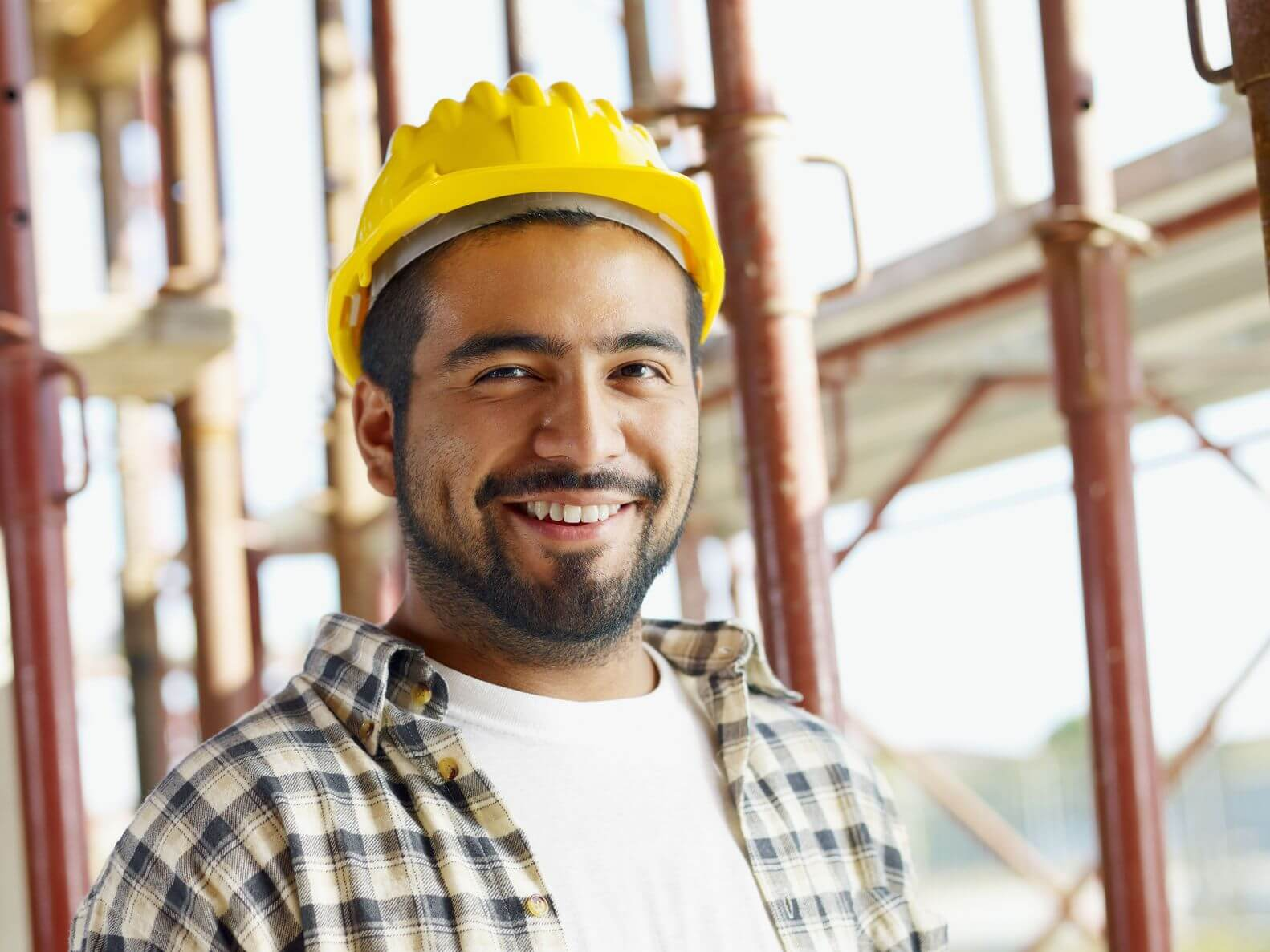 construction worker with yellow hat