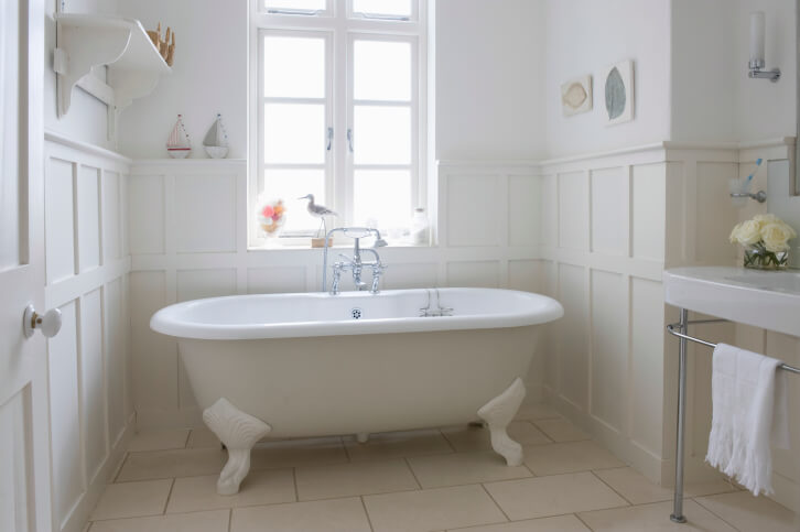 The Most Common Types of Bathtubs | Enlighten Me