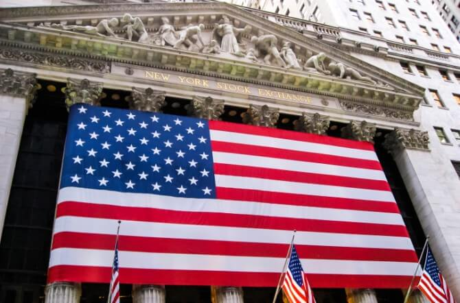 New York Stock Exchange flies American flag