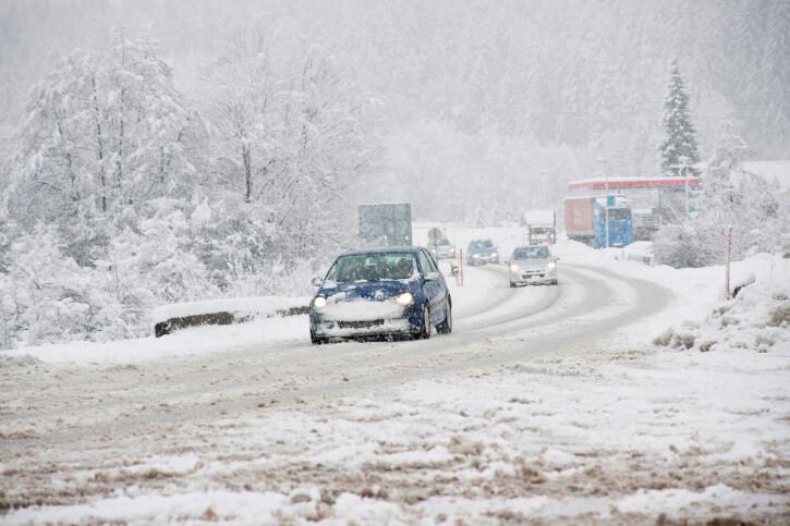 Traffic in snow storm