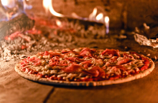 6 Secrets for Great Wood-Fired Pizza