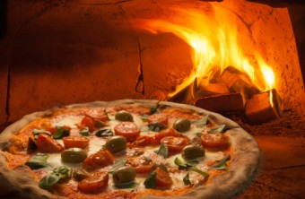 9 Tricks for Tasty Wood-Fired Pizza Crust