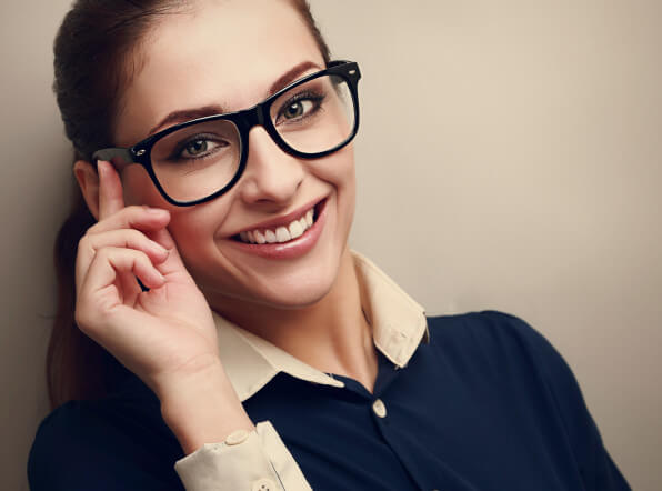 Getting Glasses? 4 Tips for Stylish Frames for Women