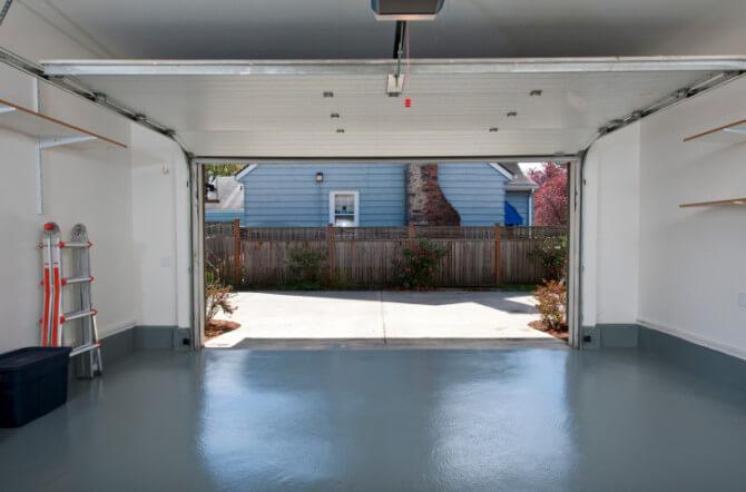 Key Considerations on Buying an Overhead Garage Door Opener