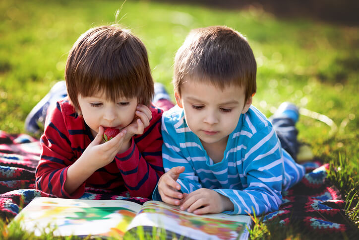 Does Unschooling Work? The Theory behind Allowing Kids to Teach Themselves to Read